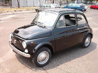 794px-1965_black_Fiat_500.jpg