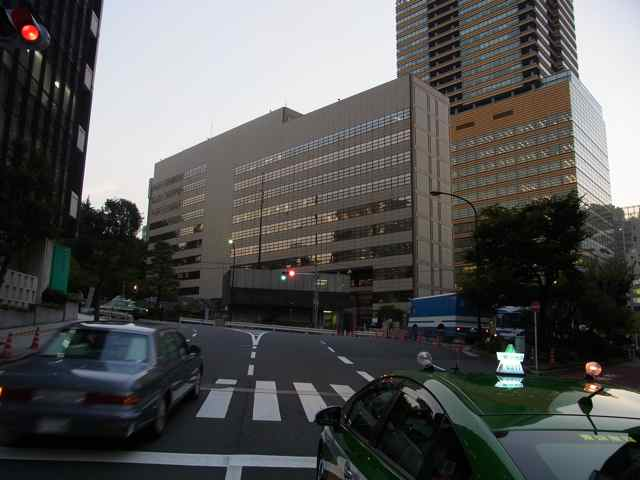 アメリカ大使館2.jpg