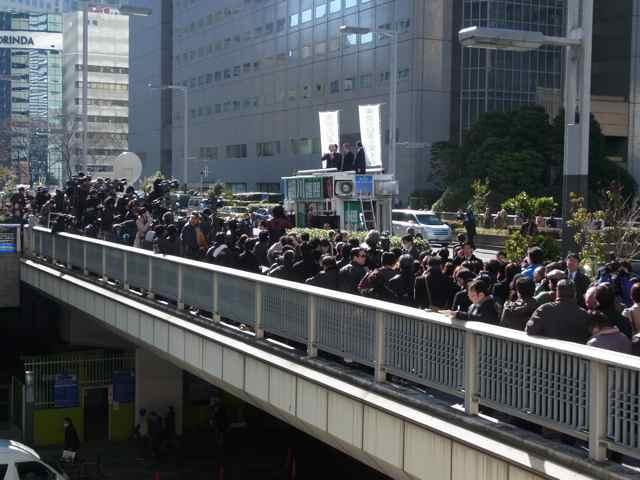 初日23日@都庁前.jpg