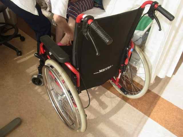 外国製車椅子だ.jpg