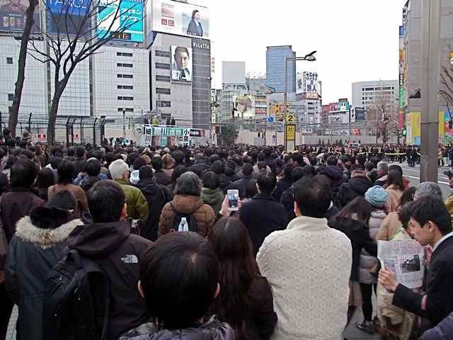 新宿アルタ前2.jpg