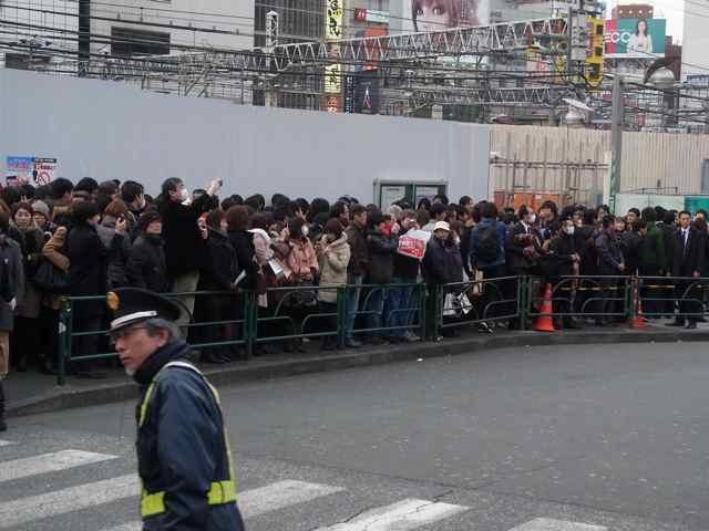 新宿アルタ前4.jpg