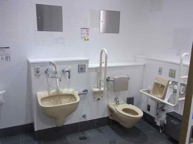 永福町駅のトイレ全景.jpg