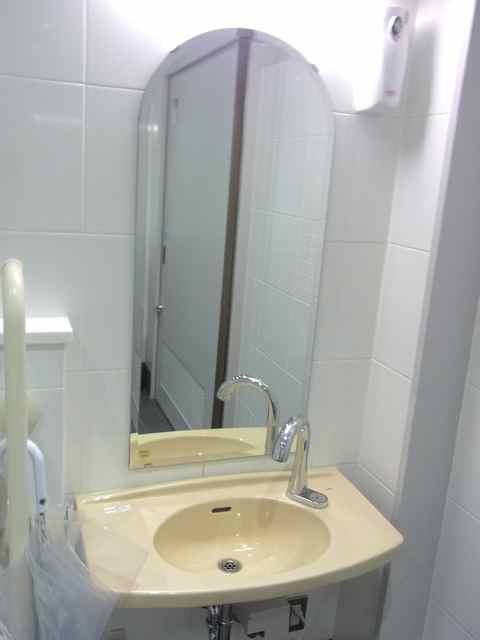 永福町駅のトイレ同じく手洗い.jpg