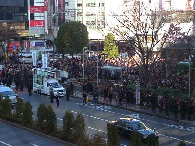 渋谷ハチ公前一回目.jpg