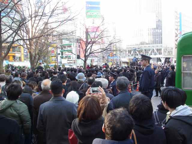 渋谷ハチ公前一回目地上.jpg