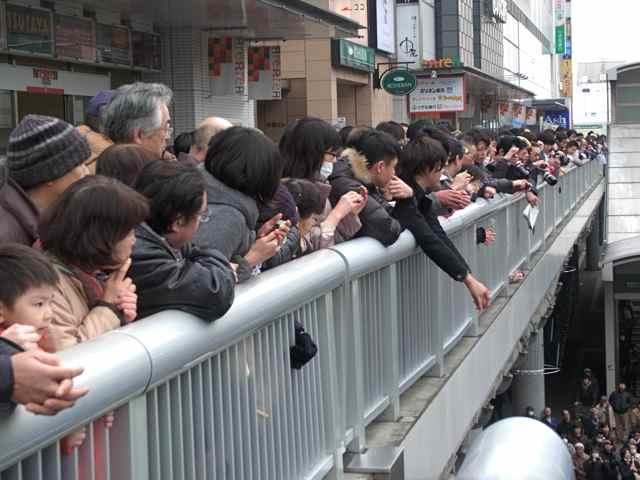1月25日細川もりひろさん@立川駅南口3.jpg