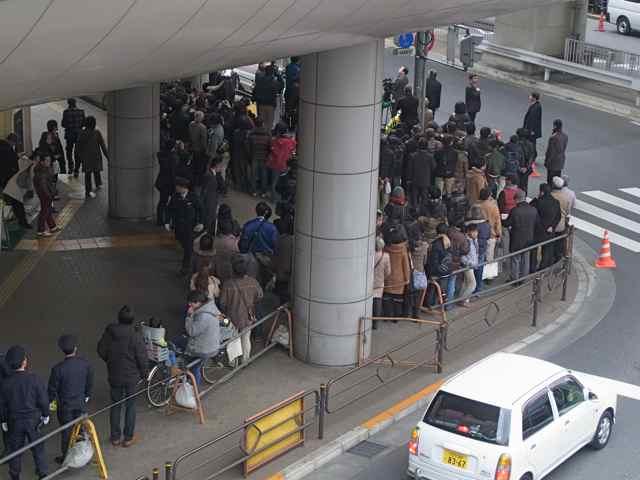 1月25日細川もりひろさん@立川駅南口5.jpg