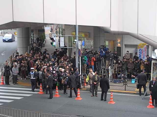 1月25日細川もりひろさん@立川駅南口8.jpg
