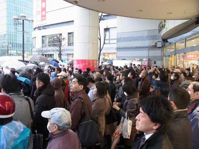1月30日細川もりひろさん@調布駅北口パルコ前1.jpg