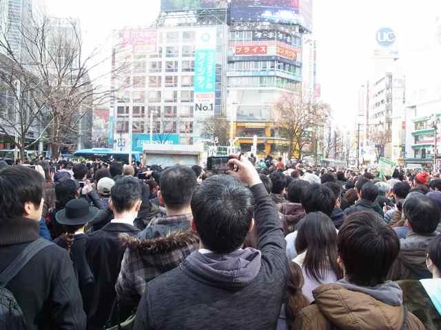 2月1日細川もりひろさん@渋谷ハチ公前1.jpg