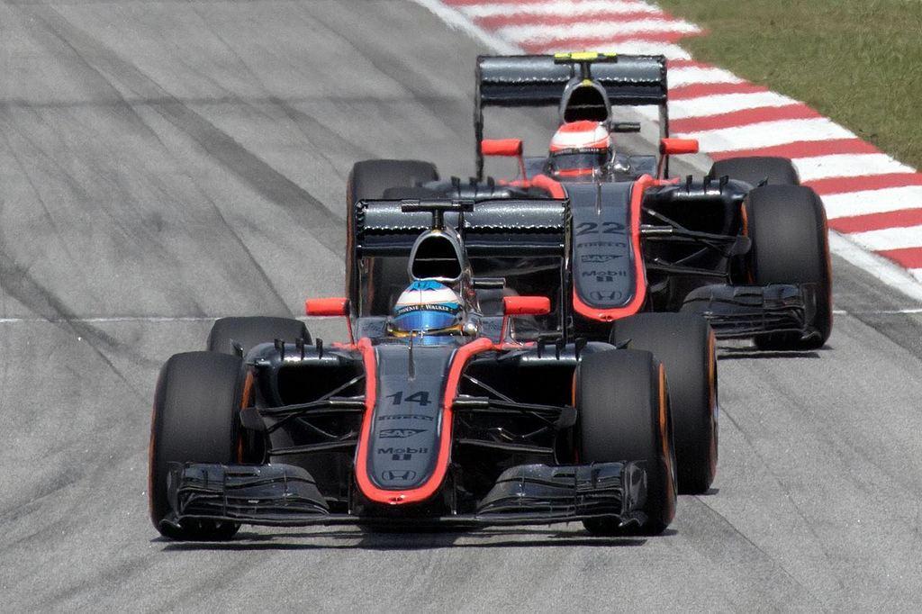1280px-McLaren_duo_2015_Malaysia_Race (2).jpg