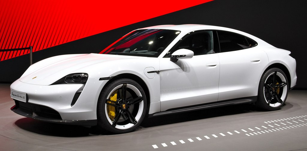 1920px-Porsche_Taycan_at_IAA_2019_IMG_0786.jpg