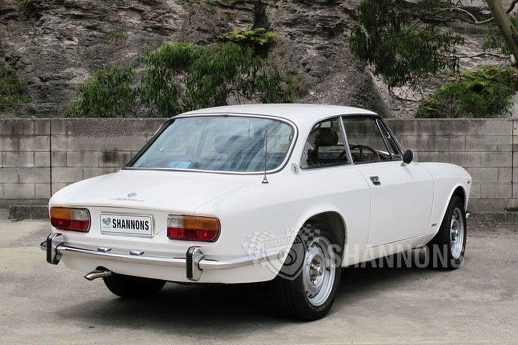 1973-alfa-romeo-gtv-2000-coupe.jpg
