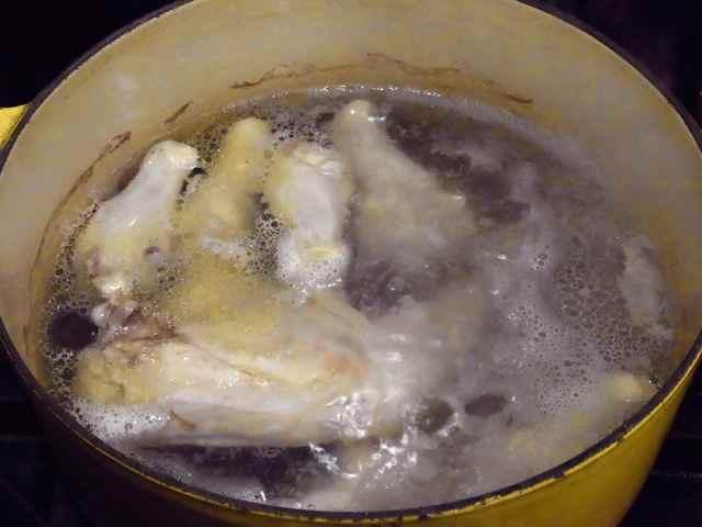 鶏で出汁.jpg
