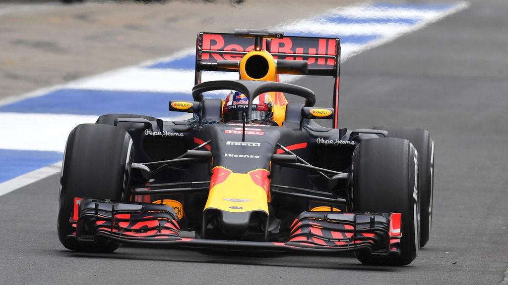 Pierre-Gasly-Red-Bull-Silverstone-Test-12-Juli-2016-article169Gallery-28c2c98-963211.jpg